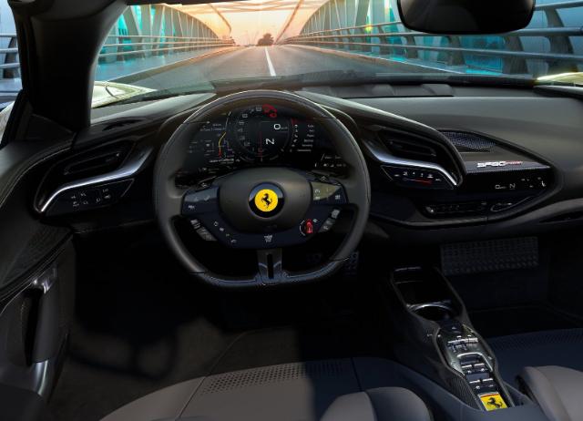 Ferrari SF90 Spider İç Mekan